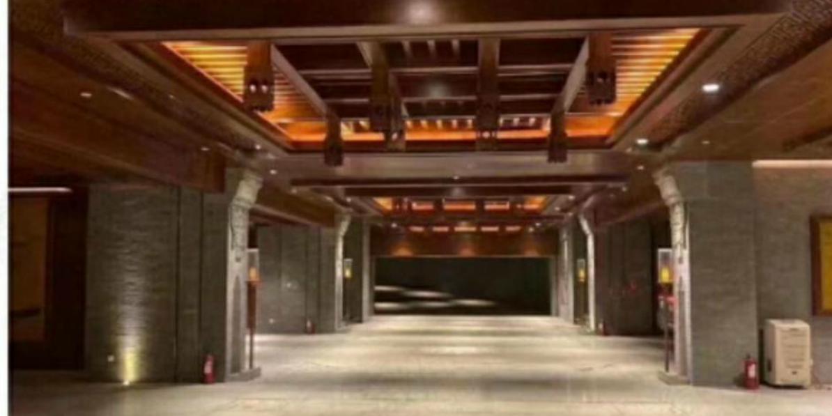 带你参观装修一个亿的北京后海地下车库